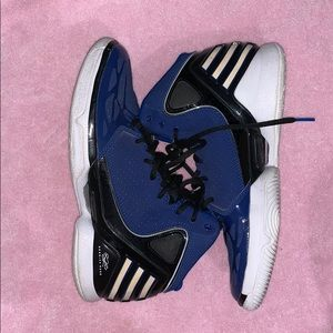 Worn Derrick Rose 2.5 Sneakers in blue
